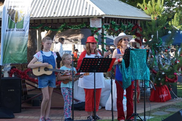 Community Christmas 2018 - Ukulele Group Community Christmas 2018